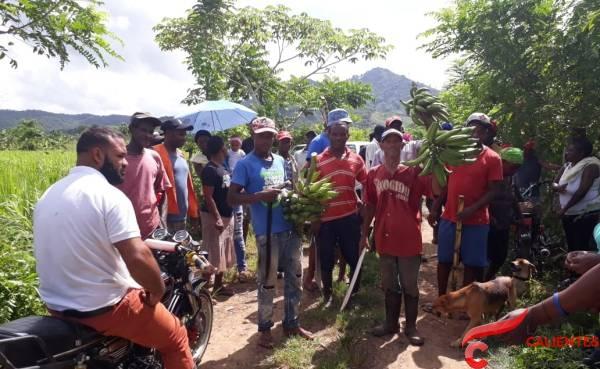 Campesinos denuncian amenazan con destruirles cultivos para sacarlos de terrenos del IAD