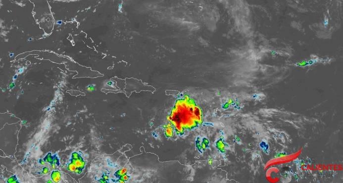 Isaac se degrada a una depresion tropical