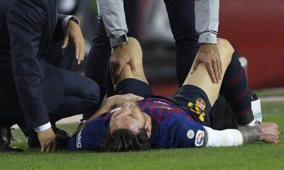 Messi se lesiona el brazo derecho y es sustituido