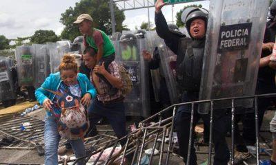 migrantes-entran-a-mexico-tras-romper-cerco-policial