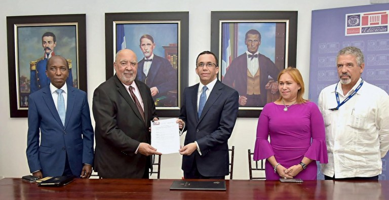 Ministro-Navarro-Isfodosu