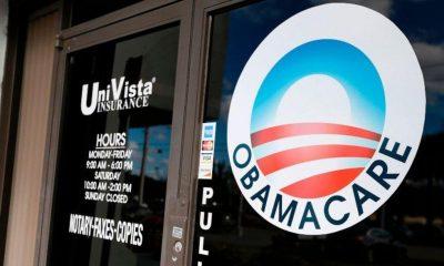 """La ley de salud """"Obamacare"""" es declarada inconstitucional por juez"""