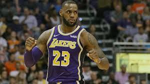Lakers remontan con LeBron