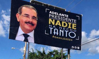 """Movimiento """"El Pueblo Manda"""" coloca vallas publicitarias exhortando a DM a seguir"""
