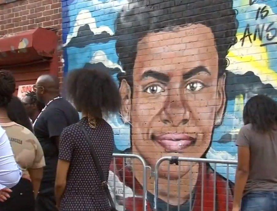 """Bautizan calle """"El Junior"""" en memoria de Lesandro Guzmán"""