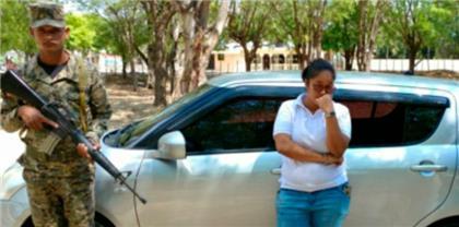 Ejército detiene mujer y le ocupa más de un centenar de paquetes de cigarrillos