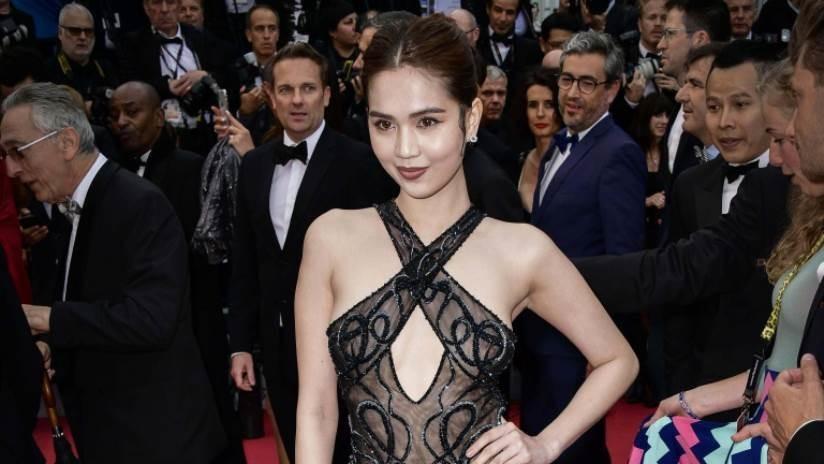 Una modelo vietnamita podría ser castigada en su país por lucir un vestido