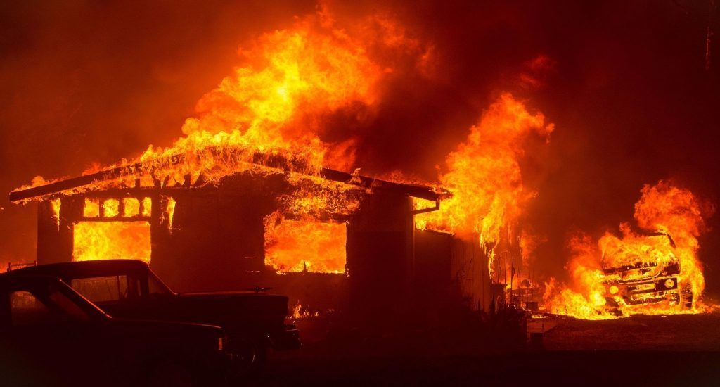d3ba2196-fuego-california-la-1024x550