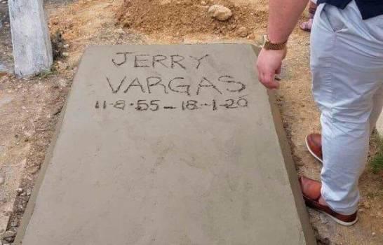 jerry-vargas-enterrado-13060138-20200120161418