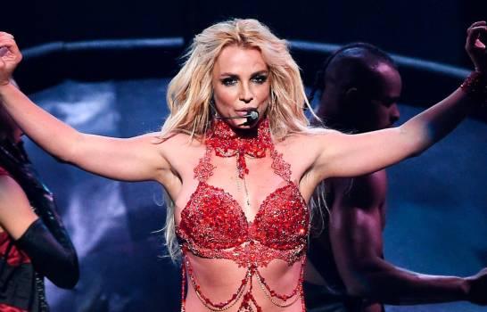 Britney Spears se fractura un pie bailando