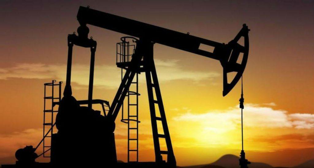 El petróleo venezolano baja por quinta semana y cierra en 45,21 dólares