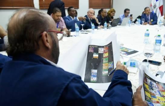 JCE y delegados de los partidos revisan irregularidades en boletas del voto automatizado