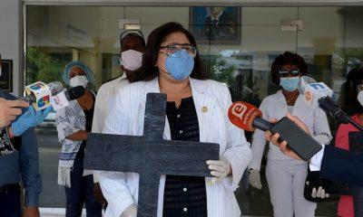 Enfermeros emplazan al ministro de Salud Pública por falta de materiales de protección