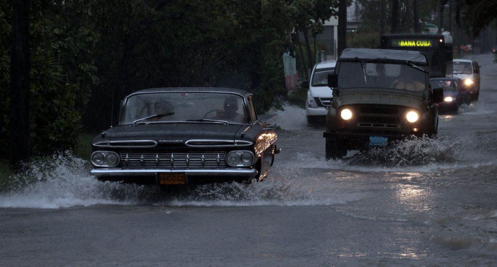 Lluvias y un tornado ocasionan inundaciones y daños en el centro de Cuba