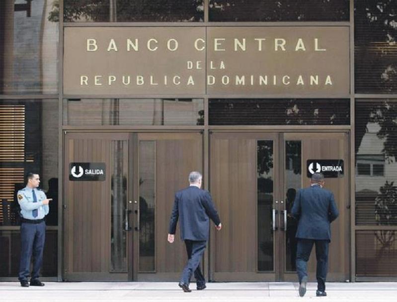 Asesores BCRD recomiendan seguir medidas económicas