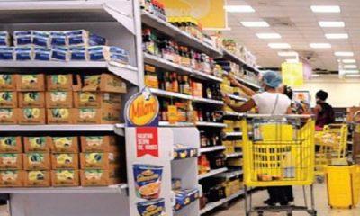 Suben precios de alimentos y bajan filas en supermercados